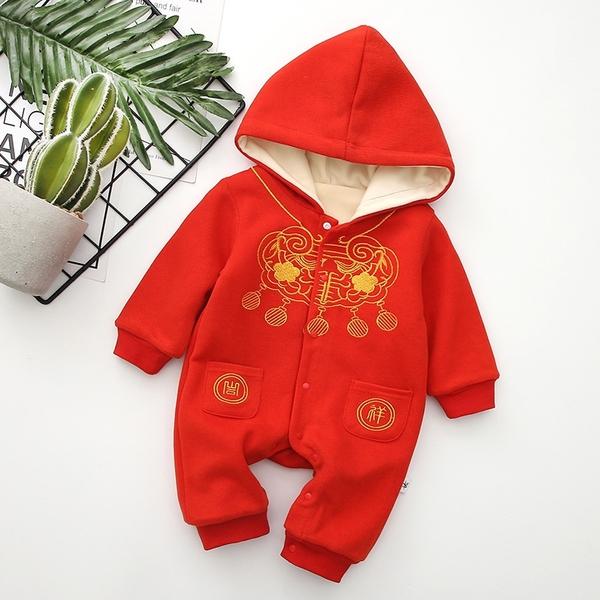 胸前金色刺繡細絨連帽包屁衣 中性款 兔裝 新生兒 寶寶 童裝 拜年服 過年 大紅 新年 現貨 橘魔法