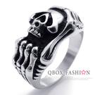 《 QBOX 》FASHION 飾品【R10020174】精緻龐克風雕刻骷髏鑄造鈦鋼戒指/戒環