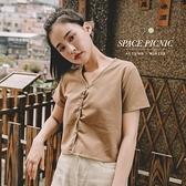 長袖 上衣 Space Picnic V領排釦短版短袖上衣(現貨)【C20091017】