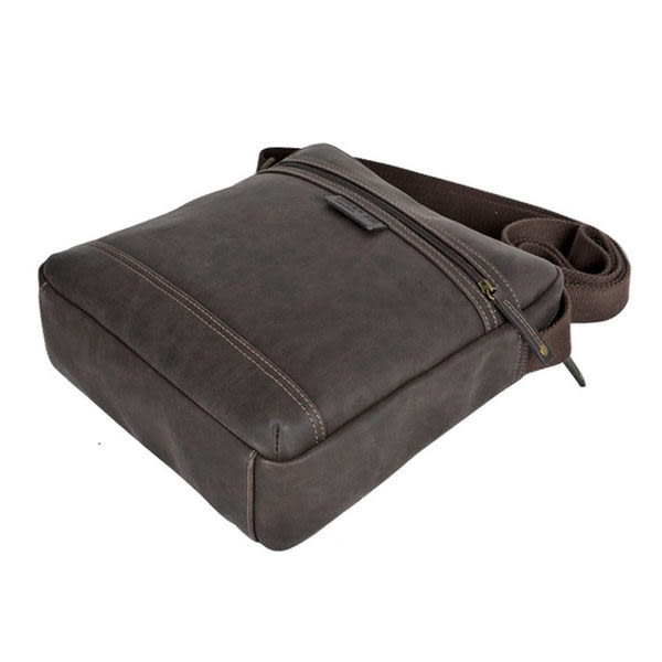 TROOP 英國 經典新風格FAUX LEATHER斜背包 皮革包 巧克力色 /TLL003CE