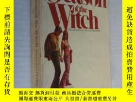 二手書博民逛書店The罕見season of the witch (beauti