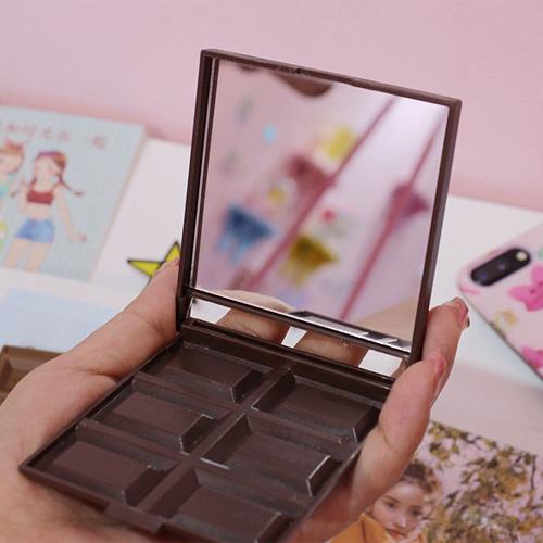 【超取399免運】日韓超人氣誘人6格巧克力折疊鏡子 香滑牛奶/黑巧克力深色淺色