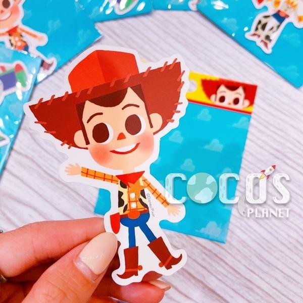 迪士尼 玩具總動員 Q版胡迪 造型防水貼紙 壁貼 行李箱貼 筆電貼 機車貼 貼紙 COCOS TM031