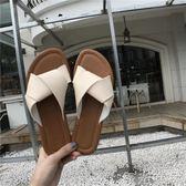 平底拖鞋 夏季韓版簡約一字帶露趾平底拖鞋女外穿時尚百搭沙灘鞋潮 綠光森林