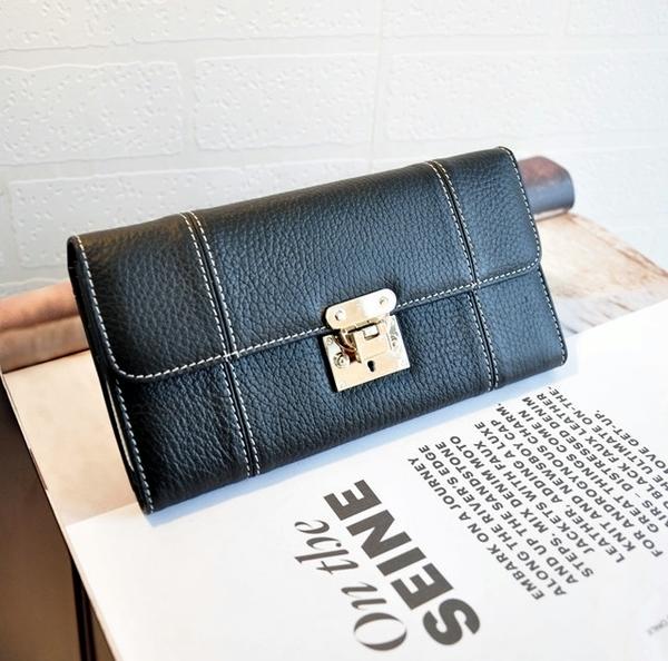 歐美真皮金屬扣手縫線素色長夾 簡約柔軟多功能手拿包 時尚長款錢包 mo.oh (包包配件)