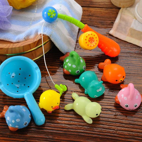 寶寶兒童洗澡玩具戲水游泳嬰兒玩具男孩女孩釣魚撈魚噴水捏捏叫