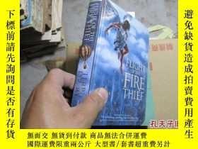 二手書博民逛書店flight罕見of thefire thief 精 92691