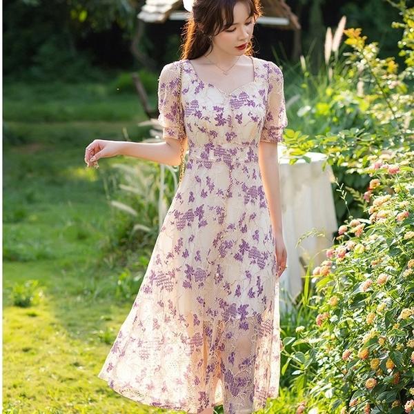 柔美紫羅蘭露鎖骨唯美蕾絲中長洋裝[88005-QF]美之札