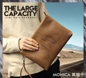 手拿包 男包新款男士手包大容量手拿包信封包軟皮休閒夾包韓版瘋馬皮 莫妮卡小屋