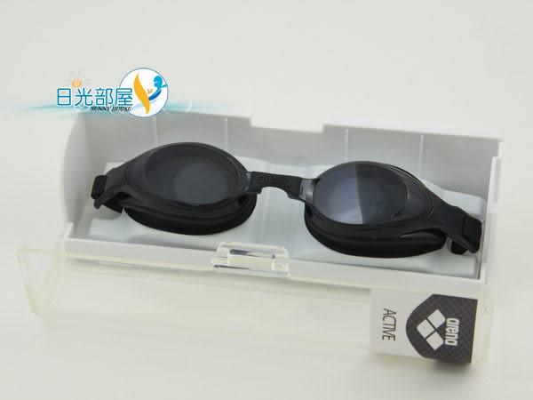 *日光部屋* arena (公司貨)/AGL-9500E-SMK 觸感佳/舒適好游泳鏡