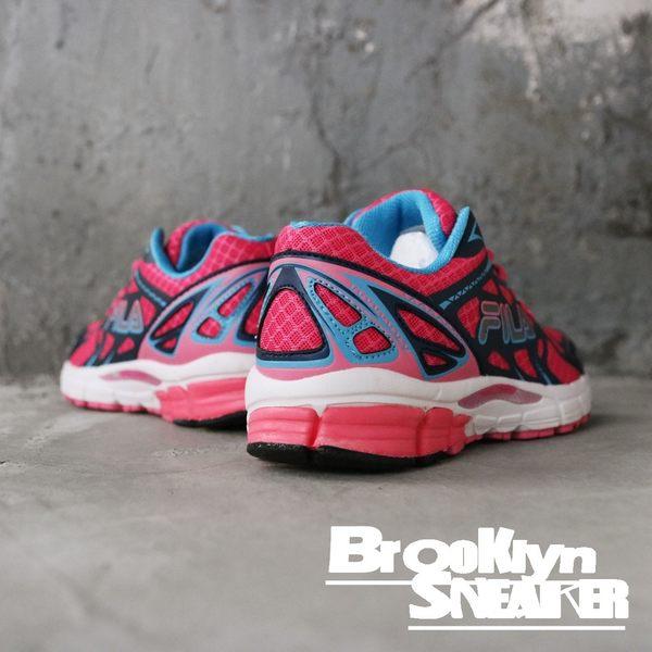 FILA 桃紅 深藍 幾何 透氣 休閒鞋 慢跑鞋 女 (布魯克林)  5J307Q203A
