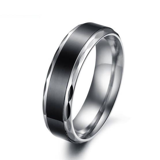 EDJ銀飾店-個性黑簡潔鈦鋼情侶戒指(277)