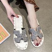 平底拖鞋夏季新款韓版外穿一字涼拖港風水鉆休閒百搭拖鞋平底網紅女鞋 可然精品