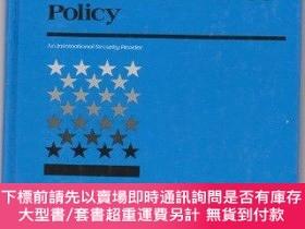 二手書博民逛書店Conventional罕見Forces And American Defence PolicyY255174