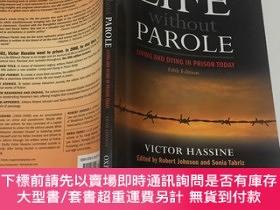 二手書博民逛書店Life罕見Without Parole: Living and Dying in Prison TodayY
