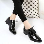 復古英倫風漆皮鞋尖頭中跟黑色淺口平跟單鞋繫帶粗跟女鞋    琉璃美衣