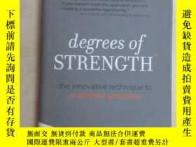 二手書博民逛書店英文書;罕見DEGREES OF STRENGTH 共124頁