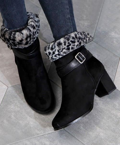 【2wenty6ix】正韓 ★ Luxury Leopard 奢華時尚 質感豹紋短毛絨 環繞扣帶 粗跟短靴  (可反摺)