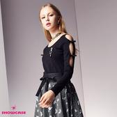 【SHOWCASE】袖簍空玫瑰胸針蝴蝶結上衣(黑)