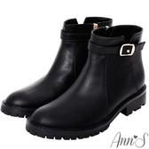 Ann'S均衡甜美模樣-帥氣小V缺口金釦帶短靴 -黑