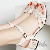 堤娜百麗高跟一字帶羅馬涼鞋女夏新款中跟粗跟軟底媽媽時裝鞋 雙十二全館免運
