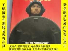 二手書博民逛書店THE罕見DRAGON S TEETH INSIDE CHINA