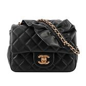 【CHANEL】金釦荷葉設計鏈帶小羊皮方胖包(黑色) CH14000054