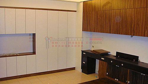 【歐雅系統家具】廁所隔間通道櫃