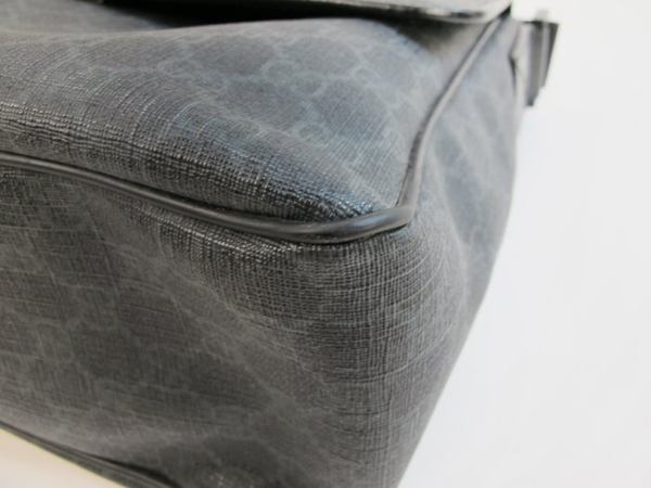 【巴黎站二手名牌專賣店】*現貨*GUCCI 真品*169935經典GG SUPREME防刮PVC斜背包