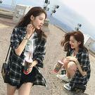 (YY-5211)格子長袖襯衫格紋女外套黑白格復古港味長版斜垮肩防曬衫