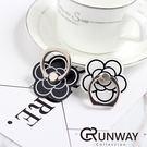 【R】山茶花 黑白 花朵造型 指環支架 多功能指環扣 懶人手機架 黏貼式