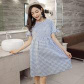 *漂亮小媽咪*韓國 格紋 蝴蝶結 綁帶 清涼 柔軟 親膚 棉麻 孕婦裝 孕婦洋裝 D7705