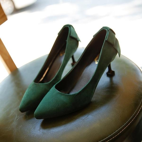 細跟中跟尖頭高跟鞋女韓版秋冬新款絨面紅色婚鞋墨綠色低跟工作鞋 喵小姐