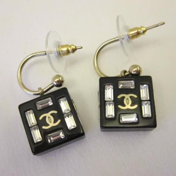 【巴黎站二手名牌專賣店】*CHANEL 香奈兒 真品*黑色+透明壓克力 金色雙C 耳針 耳環