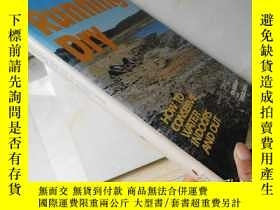 二手書博民逛書店Running罕見Dry:How To Conserve Wat
