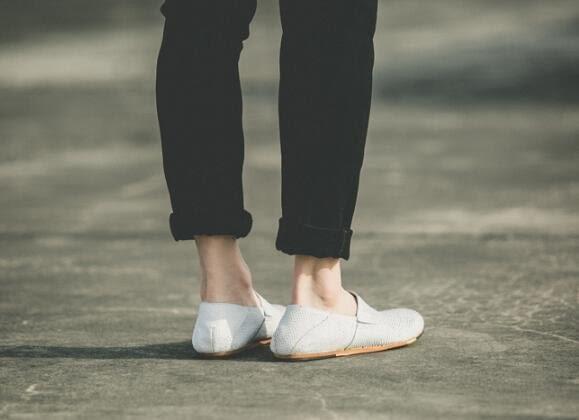 找到自己 MD 日系 高品質 時尚 潮 男 黑白蛇紋牛皮 一腳蹬 懶人鞋 低跟休閒鞋 板鞋