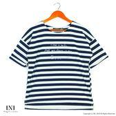 【INI】活力穿搭、休閒品味色調條紋上衣.深藍色