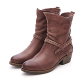 MICHELLE PARK 牛仔風格 率性摟空鉚釘中跟五分靴-酒咖啡