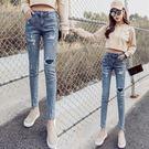 VK精品服飾 韓系破洞貼布補丁牛仔褲鉛筆褲單品長褲