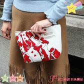 【京之物語】日本迪士尼ACCOMMODEx愛麗絲夢遊仙境 撲克牌刺繡手拿包-預購商品