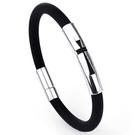 《QBOX 》FASHION 飾品【BGSL3】 精緻個性十字架鏤空鈦鋼扣頭黑皮膠手鍊/手環