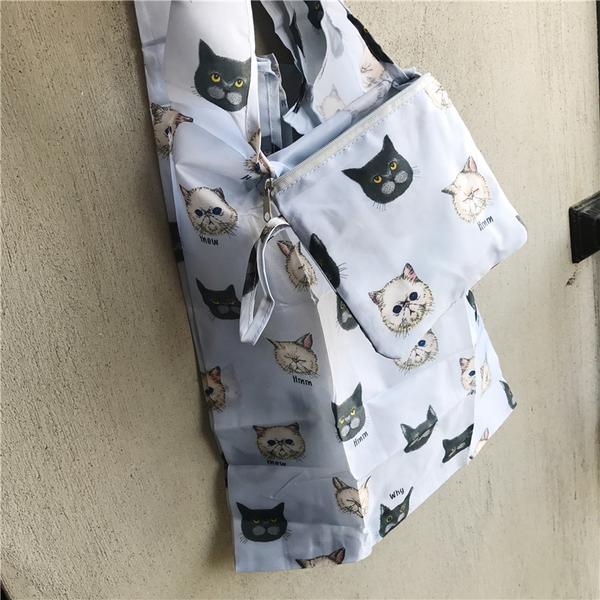 《花花創意会社》外流。滿滿喵咪塗鴉水藍購物袋【H6615】