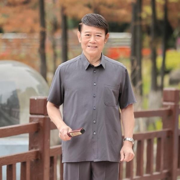 中老年人男士短袖t恤冰絲上衣爸爸夏裝襯衫休閒套裝爺爺夏季衣服 幸福第一站