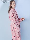 浴袍歌瑞爾草莓印花時尚睡袍女秋冬款性感綁繩法蘭絨浴袍睡衣HWH19051  伊蘿