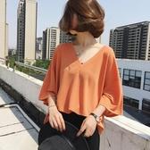 短袖針織上衣 夏季韓版胖mm寬鬆大V領黑色短袖t恤女大碼冰絲針織200斤上衣潮 小宅女