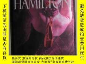 二手書博民逛書店原版英語小說《罕見Danse Macabre 》Laurell