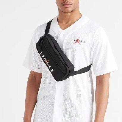 NIKE JORDAN 黑 腰包 側背包 隨身小包 (布魯克林) 9A0201-023