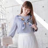Poly Lulu 垂墜荷葉領口打結設計上衣-灰藍【91020060】