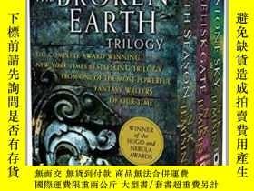 二手書博民逛書店The罕見Broken Earth Trilogy : The Fifth Season, the Obelisk