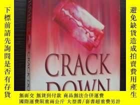 二手書博民逛書店Crack罕見Down 【英文原版】Y85718 Val McD